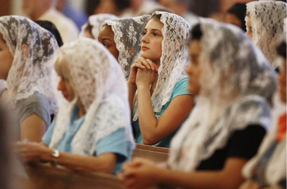 El velo en la vestimenta cristiana